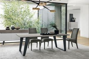 ELECTA 220 TP126, Tisch mit Metallbeinen und Laminatoberseite