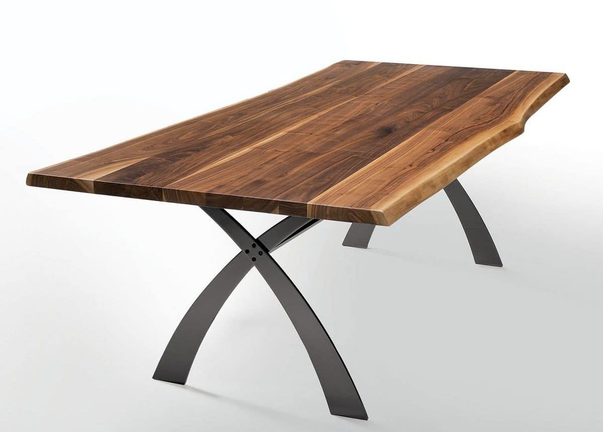 fester tisch aus metall und nussbaum massiv verschiedenen gr en idfdesign. Black Bedroom Furniture Sets. Home Design Ideas
