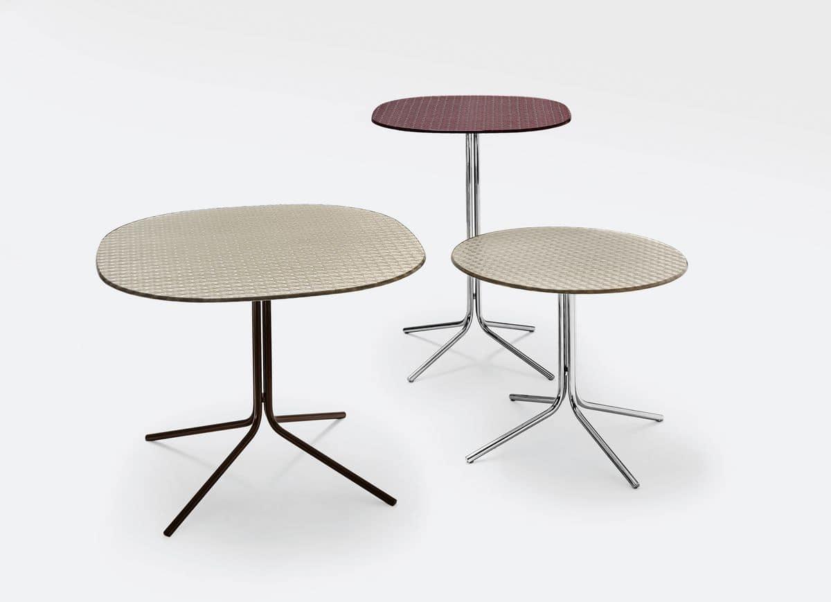 moderne tische f r bars mit metallfu idfdesign. Black Bedroom Furniture Sets. Home Design Ideas
