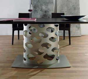 Wk, Tisch mit Metallgestell mit Originalform