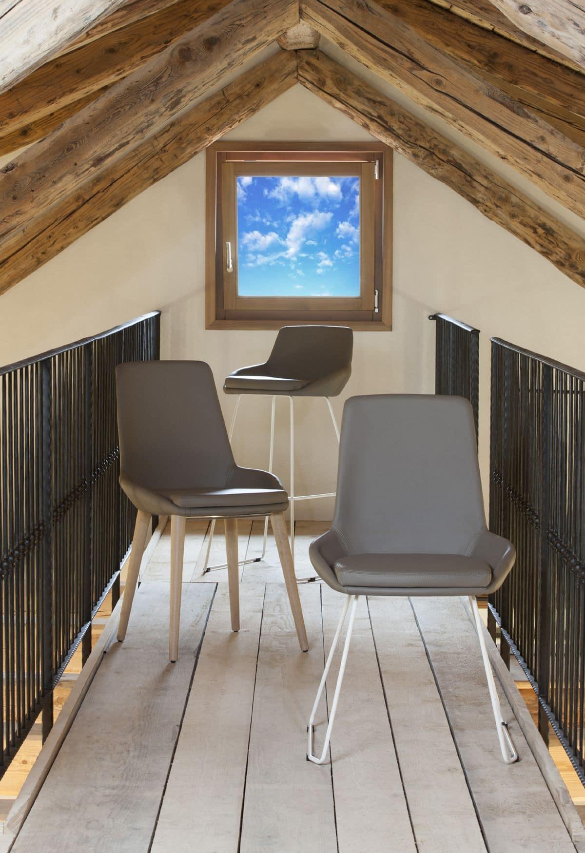 Stuhl Mit Sitz Und Ruckenlehne Mit Leder Bezogen Modernes Design