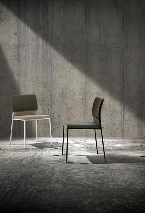 Hat, Gepolsterter Stuhl, in Metall mit Vierkantrohr, für den Objektbereich