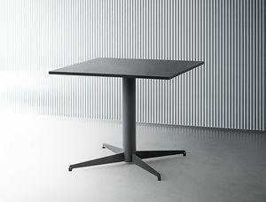 Alfie Squared, Tisch mit quadratischer Platte
