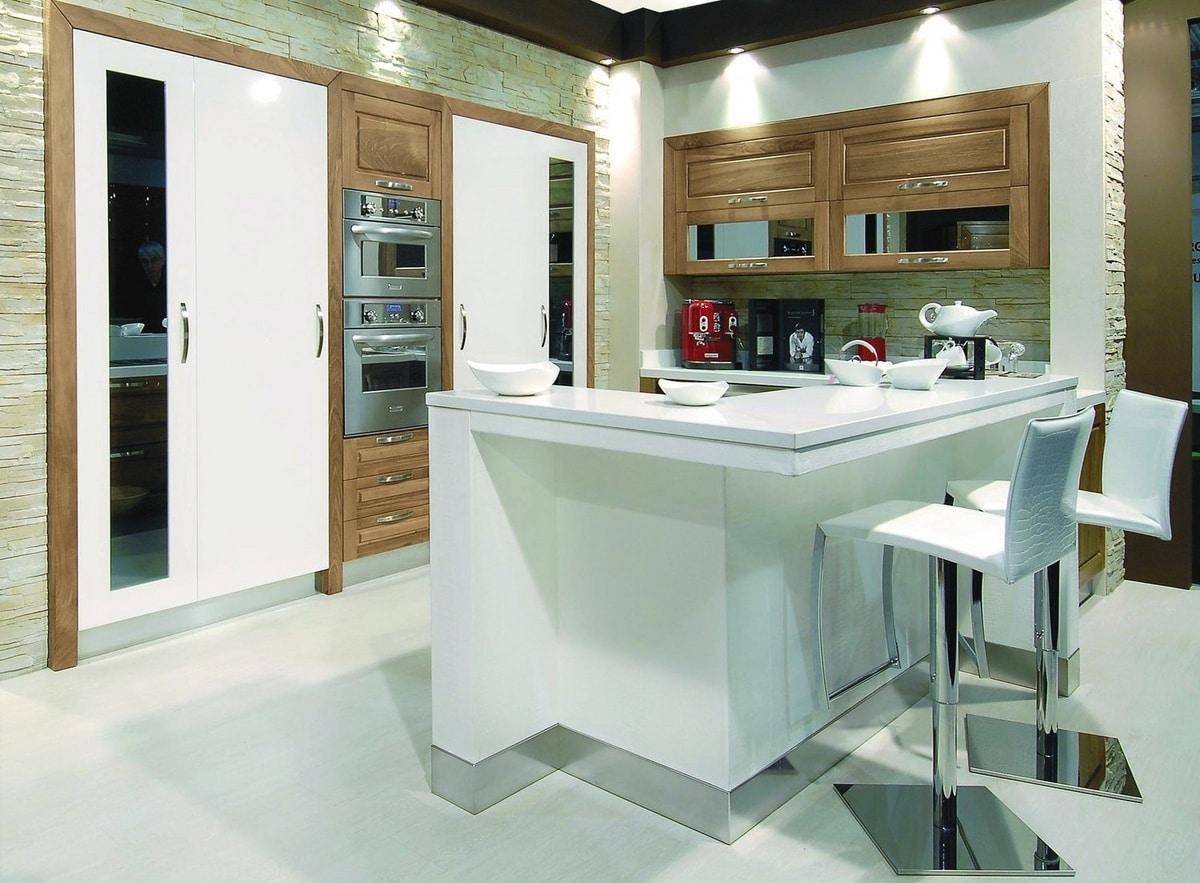 Küche mit Theke aus Kunstleder | IDFdesign