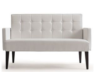 Rina-D, Sofa für den Hospitality-Möbelmarkt