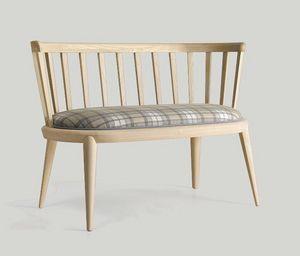 Udinì kleines Sofa, Eschenholz Sofa, mit einem traditionellen Geschmack