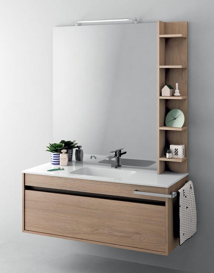 Platzsparender Schrank für Badezimmer mit integrierter Beleuchtung ...
