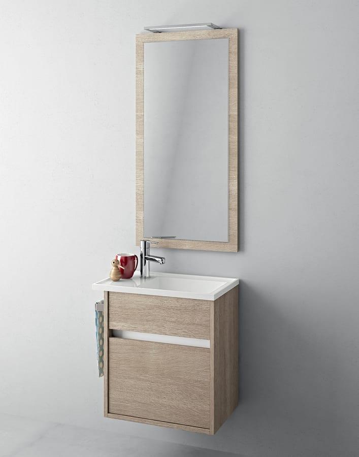 Badezimmerschrank mit kleiner Spüle und Spiegel | IDFdesign
