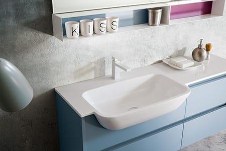Kami comp.03, Badezimmerschrank mit anpassbaren Abmessungen