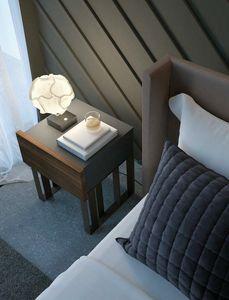 Ironwood großer Nachttisch, Nachttisch aus Metall und Holz