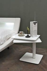 Moderne hölzerne Nachttisch, die Beine in gebogenen Metall | IDFdesign