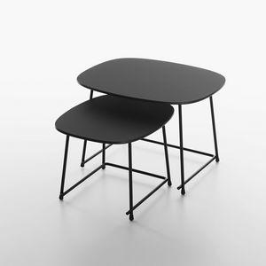 Cup mod. 9100-51, Niedrige Tische für den Loungebereich