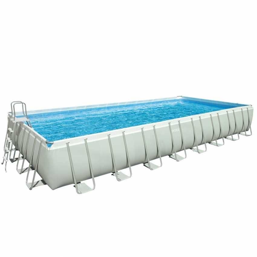 Rechteckiges Schwimmbad mit Leiter und Sandpumpe | IDFdesign