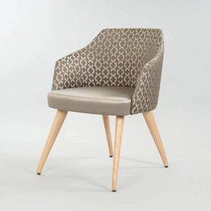 BS510A - Stuhl, Gepolsterter Stuhl für den Objektgebrauch