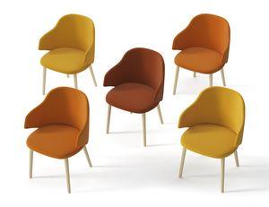 HOST, Gepolsterter Sessel mit Holzbeinen