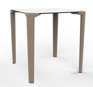 Close-4, Stapelbarer Außentisch für Restaurants und Bars