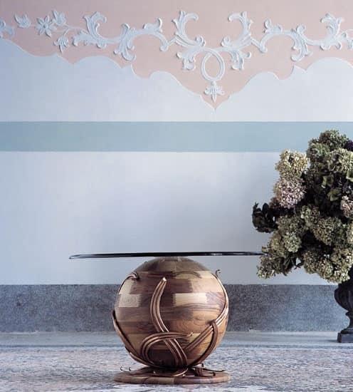 Zeus, Couchtisch mit Kugelboden aus massivem Nussbaum, Glasplatte