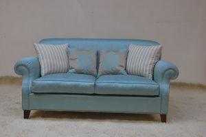 Tamigi, Klassisches Sofa in hellblauem Stoff