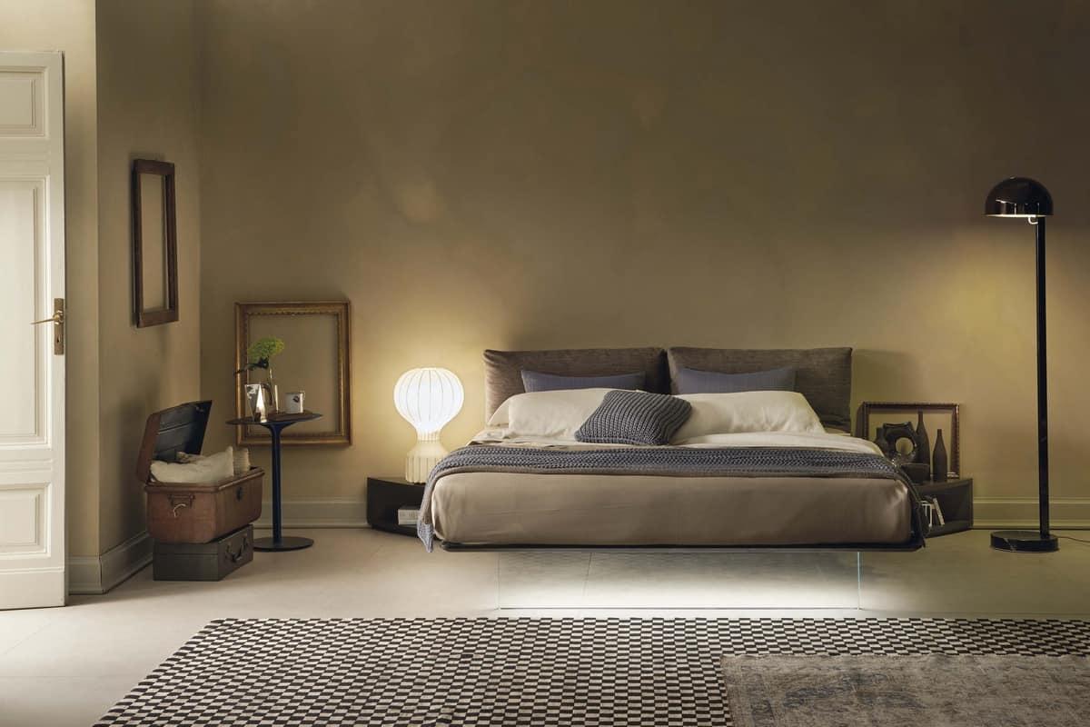 bett mit gepolstertem kopfteil beeindruckend mit lichtern. Black Bedroom Furniture Sets. Home Design Ideas