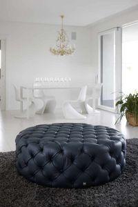 POUF, Gesteppter Sitzpuff aus Leder im klassischen Stil
