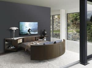 Bairon Speed, Drehbare Doppelbett, ausgestattet mit TV