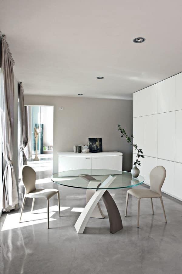 Esstisch mit runden glasplatte f r restaurant idfdesign for Runde designer tische