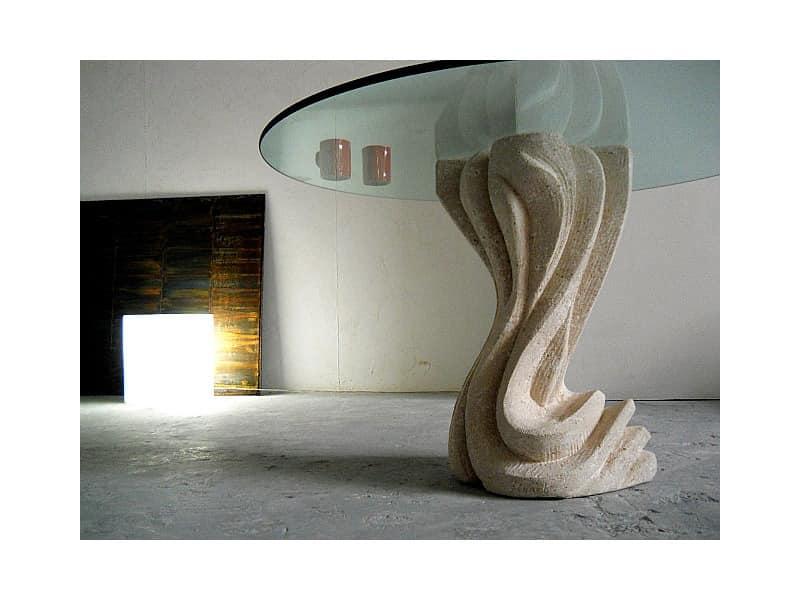 Tisch mit s ule aus stein rund oder eckig oben idfdesign for Moderne runde tische