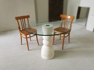 Oso table, Esstisch mit Steinsockel und oben in Glas