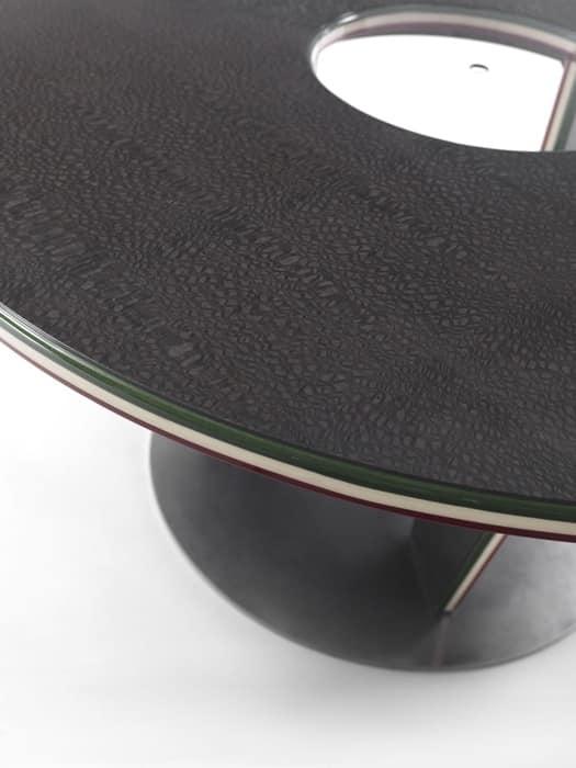 Tabelle drei Runden, Runden Tisch in einem modernen Stil, aus Laminat