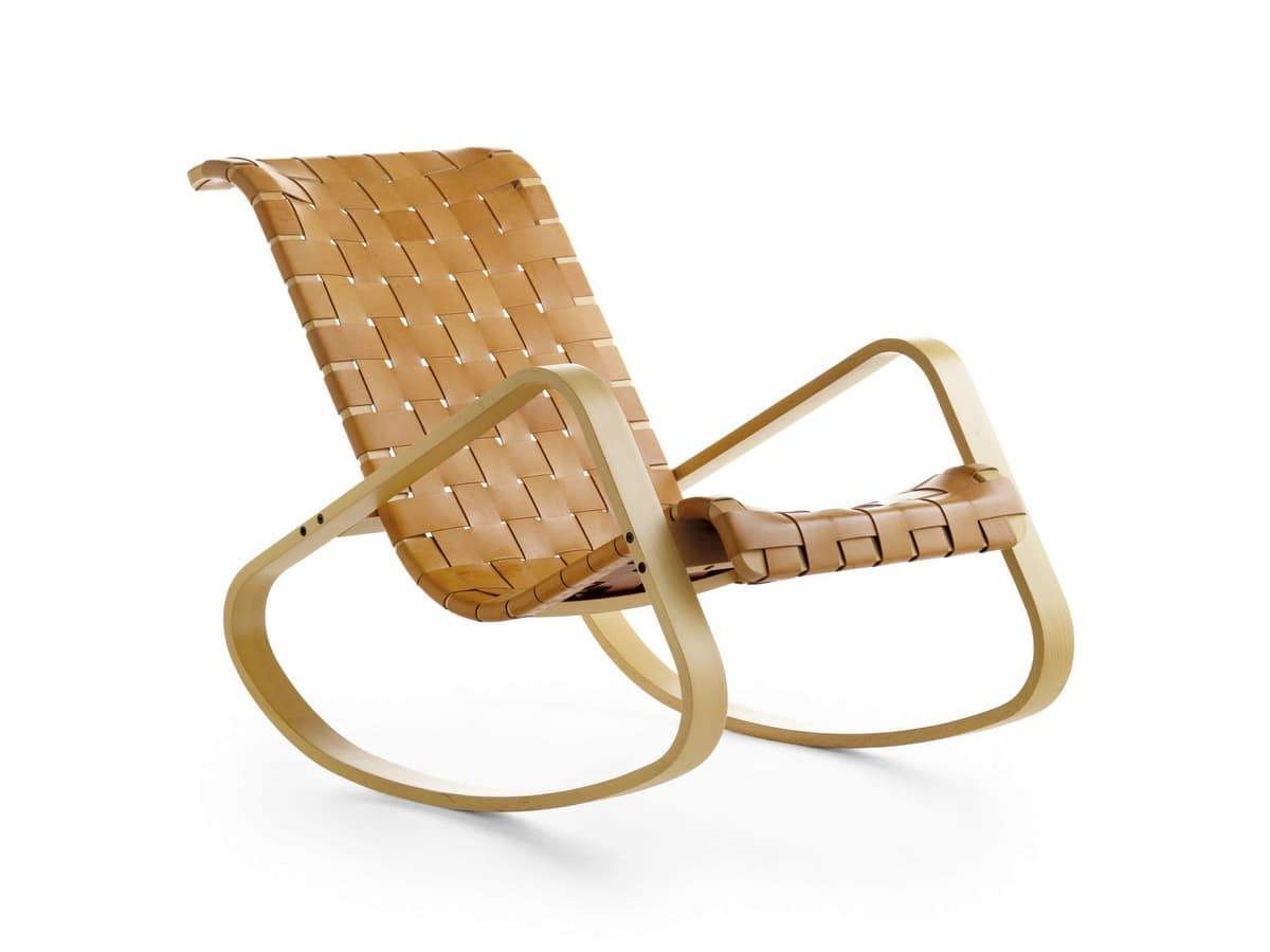 schaukelstuhl aus holz sitz in geflochtenem leder idfdesign. Black Bedroom Furniture Sets. Home Design Ideas