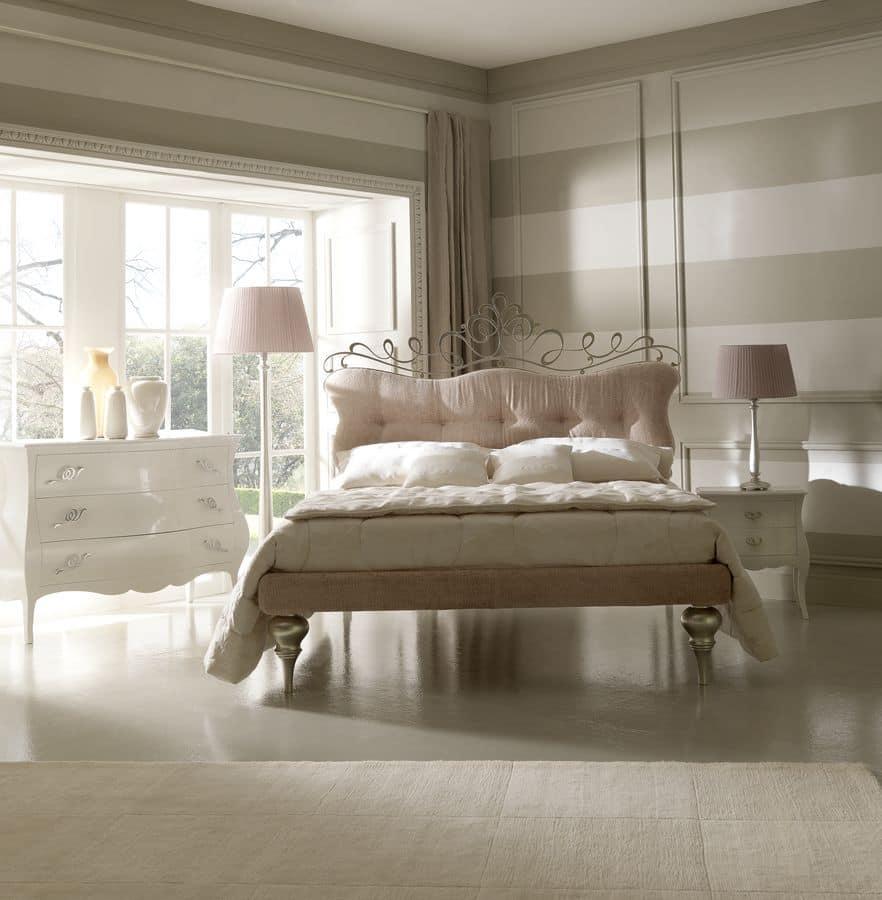 eisenbetten polster stoff f r kopfteil und rahmen klassischen linien idfdesign. Black Bedroom Furniture Sets. Home Design Ideas