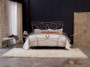Lully, Bett mit Eisenfußbrett