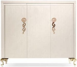 George cabinet, Holzschrank mit drei Türen