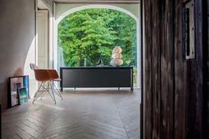 MIAMI sideboard, Anrichte aus lackiertem Holz, aus verchromtem Metall, gehärtetem Glas