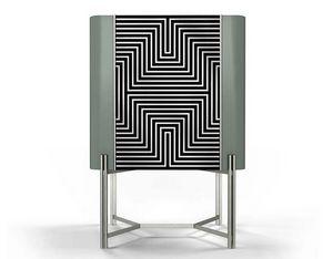 Optic cabinet, Schrank mit optischer Dekoration