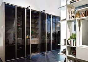 Schrank mit Flügeltür in Kristall, Schlafzimmer | IDFdesign