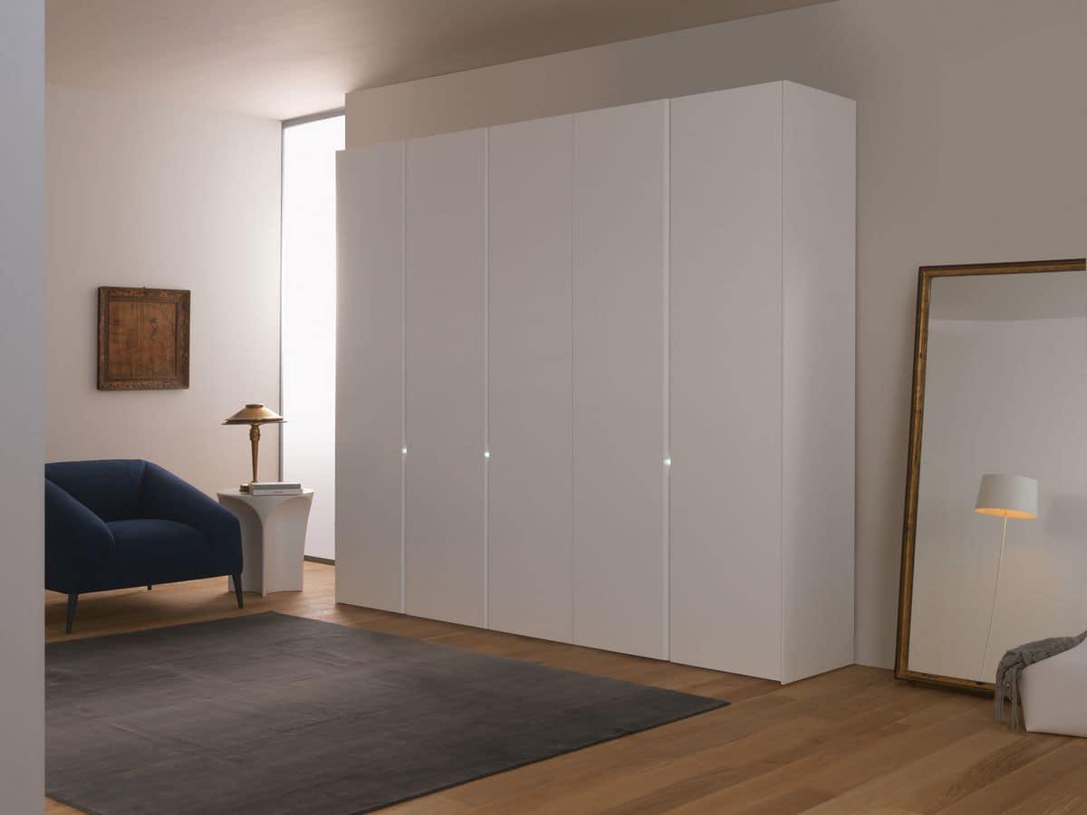 Schiebe Kleiderschrank Weiß : Moderner Kleiderschrank, Schiebe oder Drehtüren, weiß lackiert