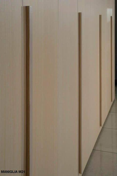 moderner kleiderschrank aus holz 6 fl gelt ren f r schlafzimmer idfdesign. Black Bedroom Furniture Sets. Home Design Ideas
