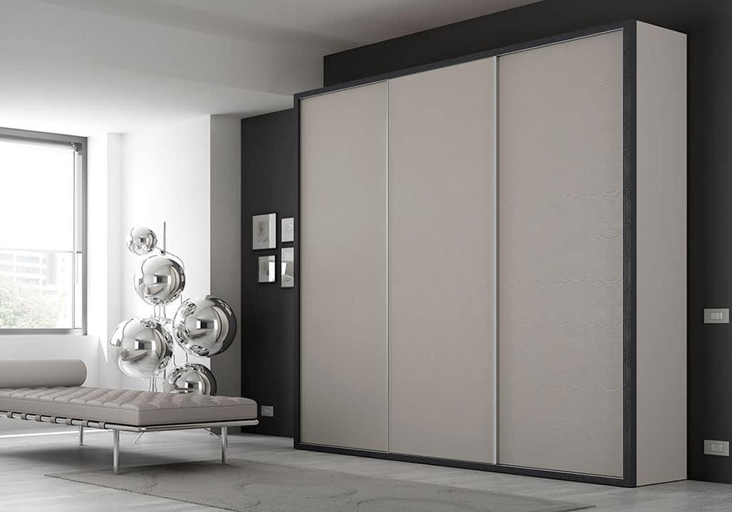 3 Türen Kleiderschrank mit lackierten Rahmen und Schubladen | IDFdesign