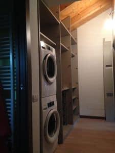 Unter Dach Flur Schrank, Möbel nach Mass für den Dachboden, mit Platz für Waschmaschine und Trockner