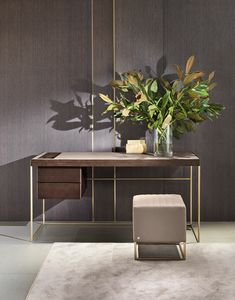Stardust, Schreibtisch mit minimalem Design