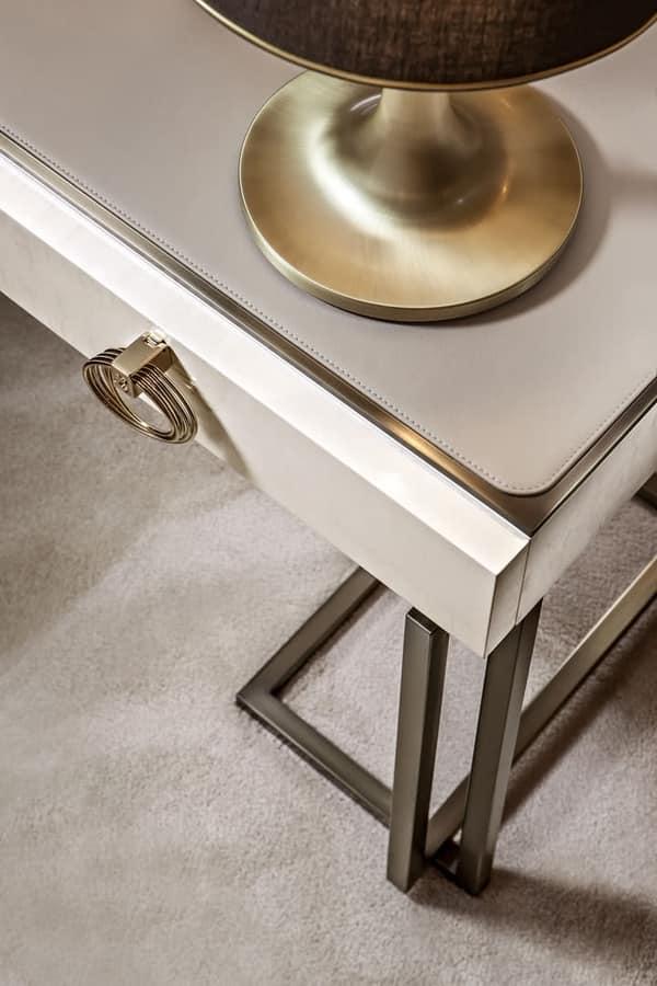 Schlafzimmer Schreibtisch mit Lederplatte | IDFdesign