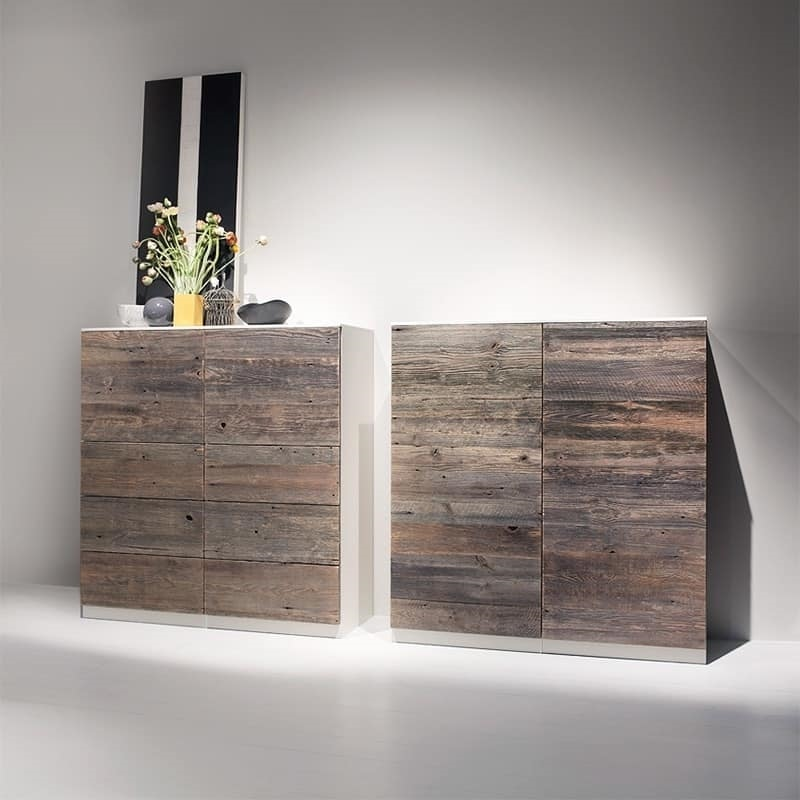 kommode f r die w sche im alter von tannen idfdesign. Black Bedroom Furniture Sets. Home Design Ideas