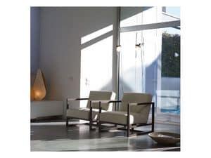 Status, Sessel aus Massivholz, in Stoff gepolstert