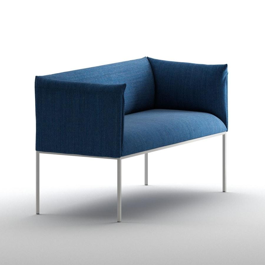 kleines sofa gepolstert mit stahlstruktur f r den objektbereich idfdesign. Black Bedroom Furniture Sets. Home Design Ideas
