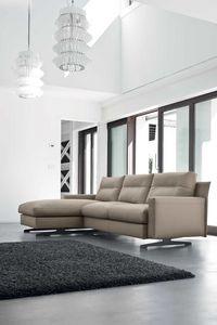 SINFONIA, Sofa mit Armlehnenbehälter