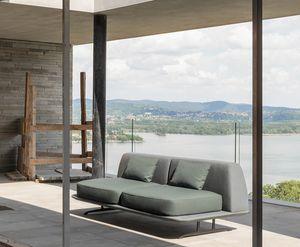 Trays, Sofa inspiriert von den Formen des Designs der 50er Jahre