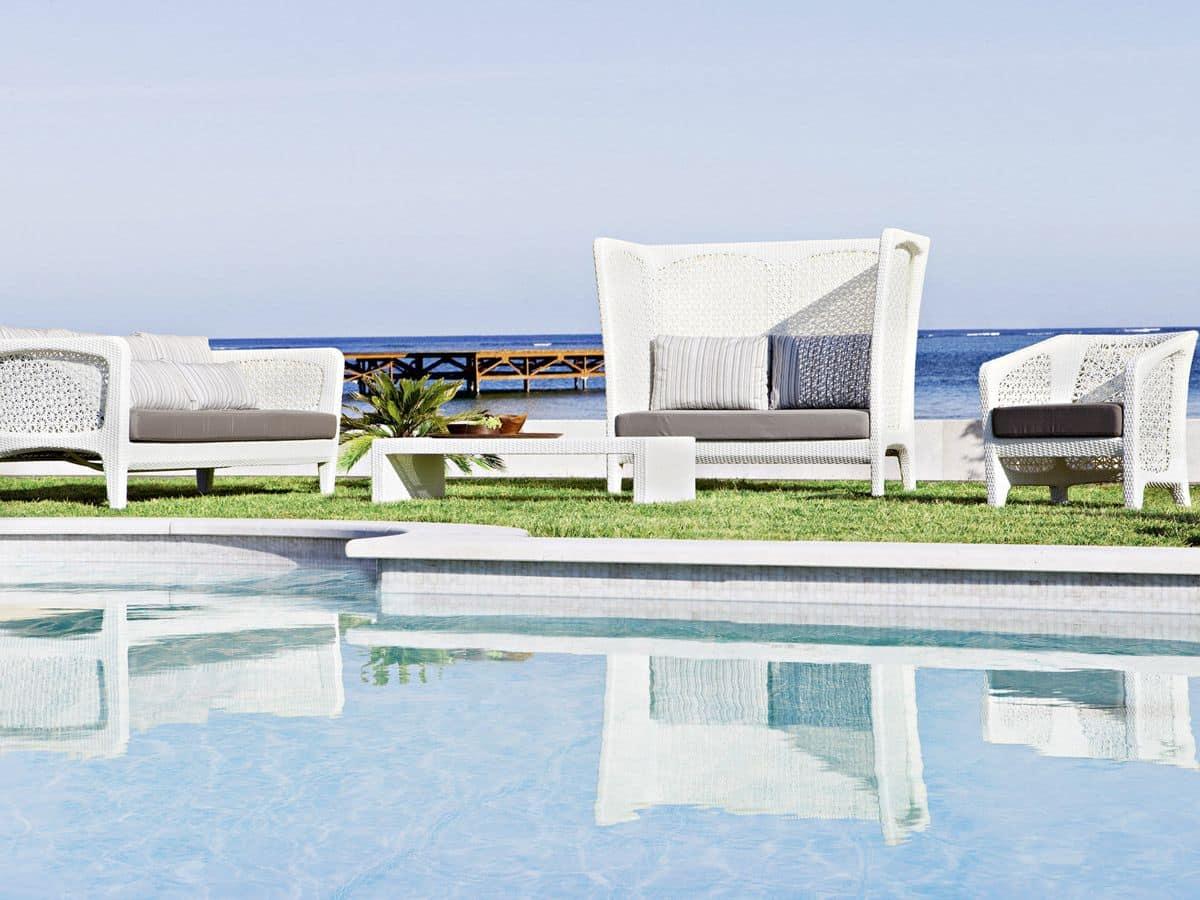 gro e outdoor sofa mit kunstfaser weben idfdesign. Black Bedroom Furniture Sets. Home Design Ideas