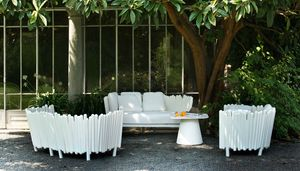 Canisse, Sofa mit Kunststoffstruktur