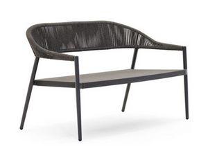 Clever Sofa, Wetterfestes Sofa im Freien